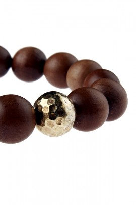 Brown bracelet with wooden pearls