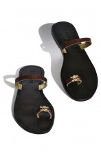 Leather sandals Skull with thong straps
